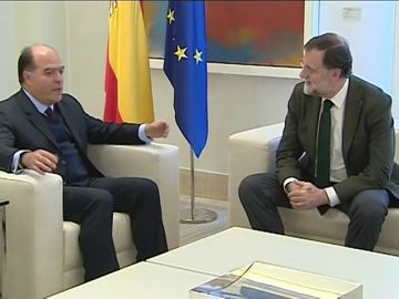 Rajoy recibe al presidente del Parlamento venezolano en Moncloa