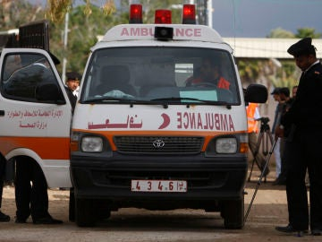 Ambulancia de la media luna egipto (archivo)