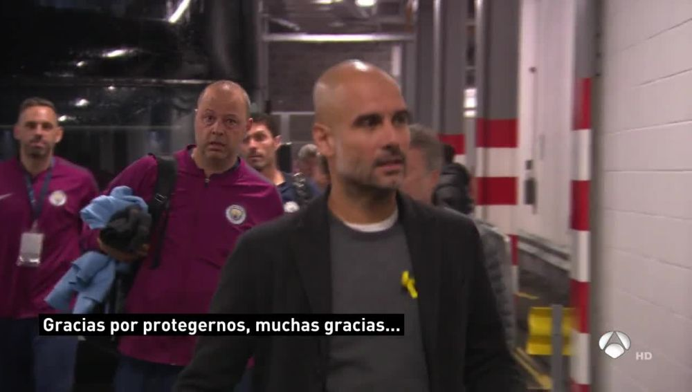 Guardiola habla con la Policía en Anfield