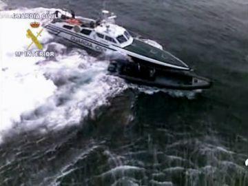 Así fueron las impresionantes persecuciones de la Guardia Civil a los narcos gallegos en el mar