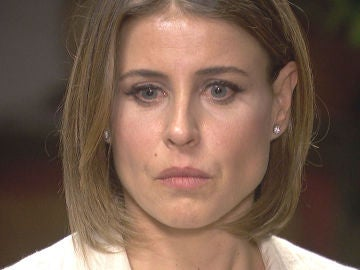 Adela recibe una dura amenaza de Pérez de Ayala
