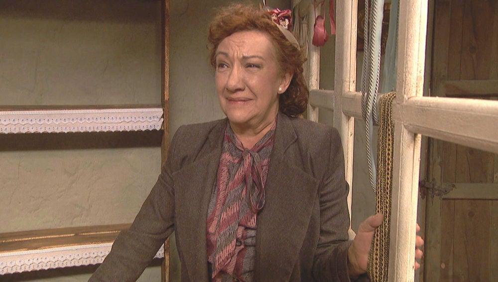 Dolores, destrozada por la realidad del colmado