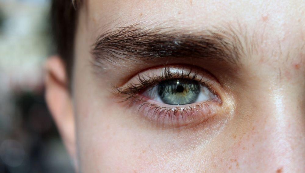 La expresión de las cejas es clave
