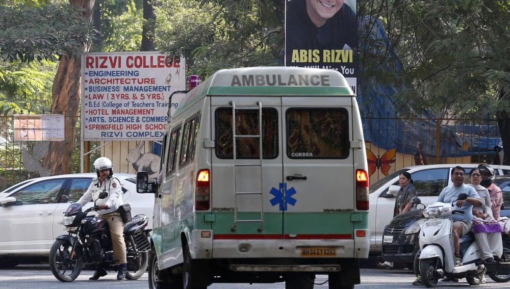 Una ambulancia en la India