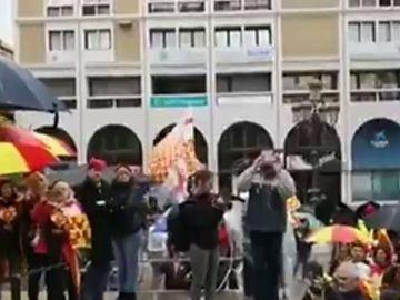 Tabarnia estrena en Reus una versión en catalán de la letra que Marta Sánchez creó para el himno español