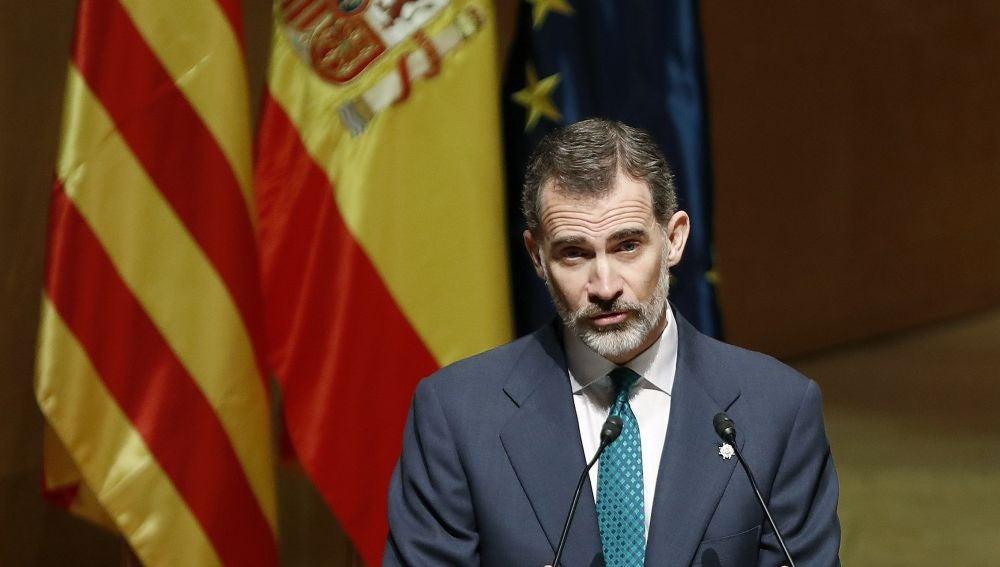 El Rey Felipe durante la ceremonia de entrega de los despachos