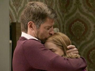Luisita regresa a los brazos de Manolita y Marcelino