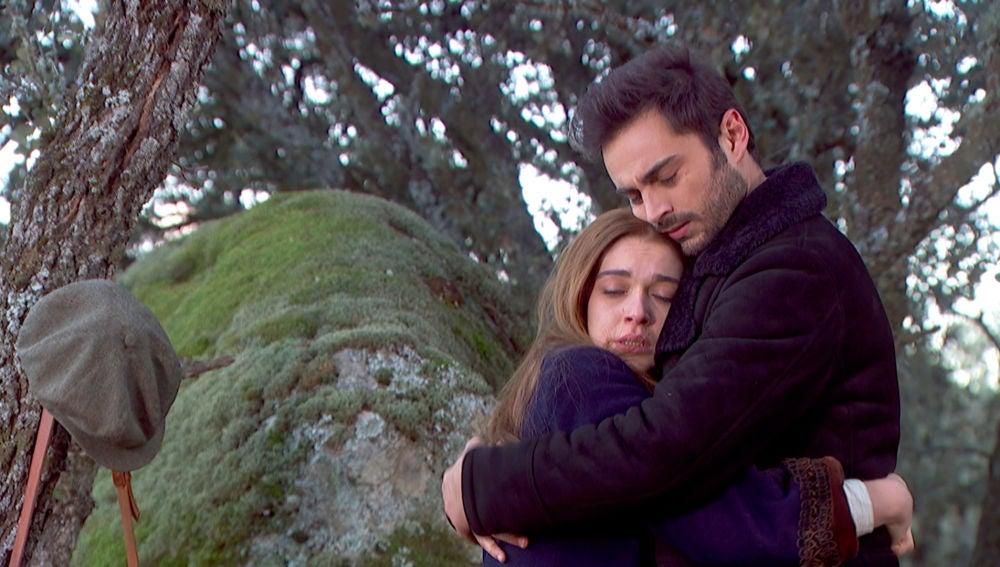 Tras un encuentro sincero y romántico, Julieta y Saúl deben volver a Puente Viejo