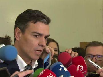 """Pedro Sánchez a Rivera: """"Se puede pasar de regenerador a encubridor"""""""