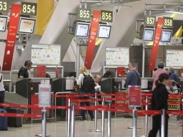 Eurocontrol alerta a aerolíneas de posibles ataques aéreos a Siria