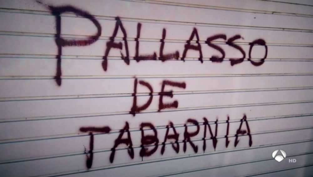"""Aparecen pintadas en la casa del periodista Tomás Guasch: """"Payaso de Tabarnia"""""""