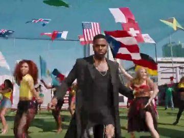 La bandera canaria aparece más que la española en el vídeo del himno del Mundial de Rusia