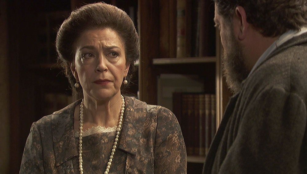 Doña Francisca accede a la petición de Mauricio