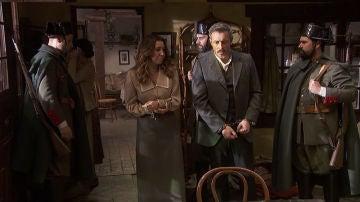 Alfonso y Emilia, en manos del general Pérez Ayala