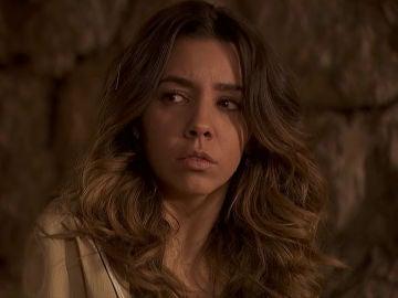 Emilia, chantajeada por el general