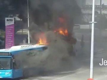 Arde un autobús en Jerez