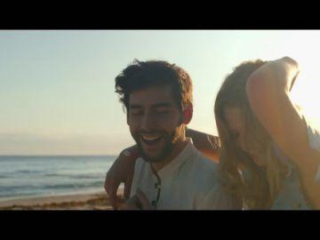 """Álvaro Soler enseña a mover """"La Cintura"""" en el primer single de su segundo álbum"""