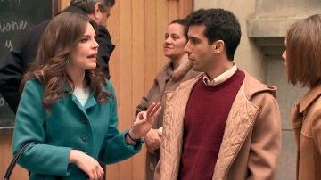 María y Laura se enfrentan tras el beso con Ignacio en público