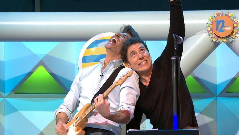 La divertida actuación de Manel Fuentes y Jorge Fernández en el 12 aniversario