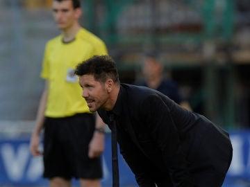 Simeone, durante el partido contra la Real Sociedad