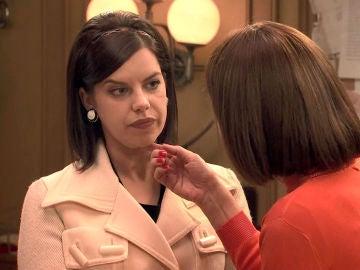 Marta nota la acritud de sus compañeros de redacción