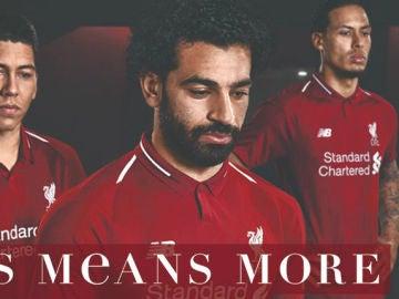 Salah, protagonista en la promoción del Liverpool para sus nuevas equipaciones