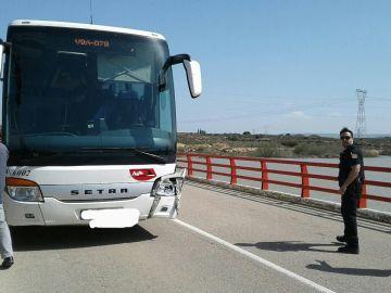 El autobús apenas ha sufrido daños