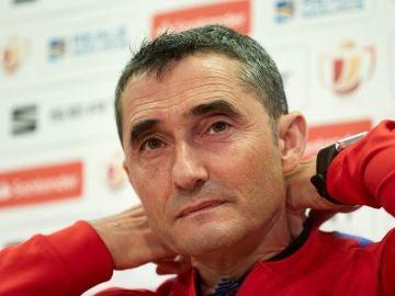 Valverde atiende a los medios de comunicación