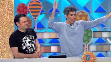 Iñaki López se convierte en el amuleto de la suerte de un concursante de 'La ruleta de la suerte'