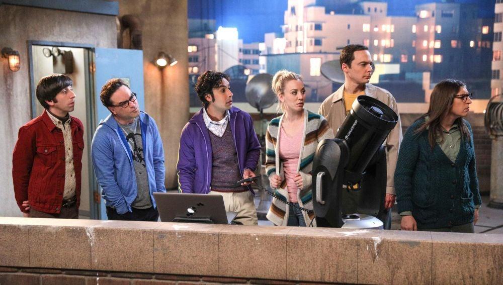 The Big bang theory - Temporada 11 - Capítulo 21: La polarización del cometa