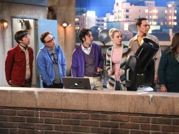 The Big bang theory - Temporada 11 - Capítulo 21: La polarización del cometa