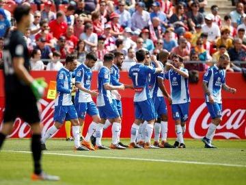 Los jugadores del Espanyol celebran uno de los goles de Gerard Moreno