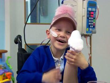 Una niña de 7 años volverá a bailar gracias a una operación en la que le han colocado su pierna del revés