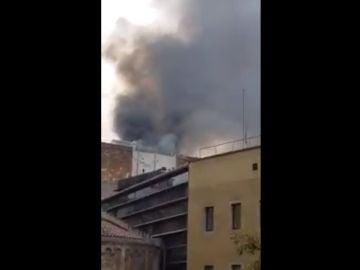 Incendio en el barrio del Raval en Barcelona