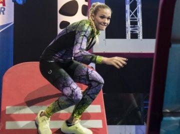 Patricia Montero se atreve a superar las temidas fichas de la primera prueba de 'Ninja Warrior'