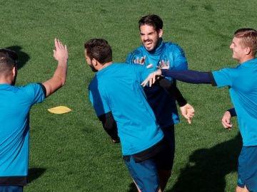 Isco y Nacho entrenan con el Real Madrid