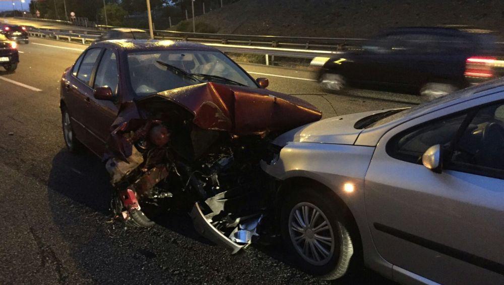 Así han quedado los dos coches tras el impacto