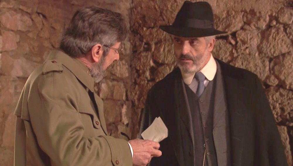 Pérez de Ayala destruye las pruebas que liberarían a Emilia y Alfonso