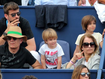Piqué y su hijos Sasha y Milan