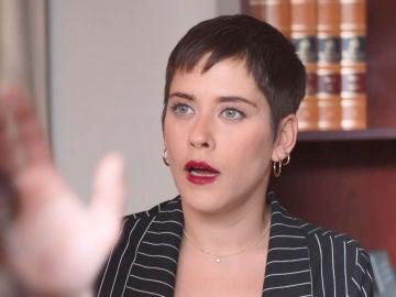 Carmen se enfrenta a Trini y descubre al topo de la clínica