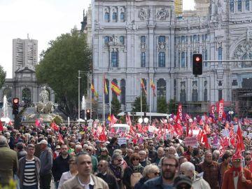 Miles de personas participan en la manifestación celebrada en Madrid con motivo del Primero de Mayo