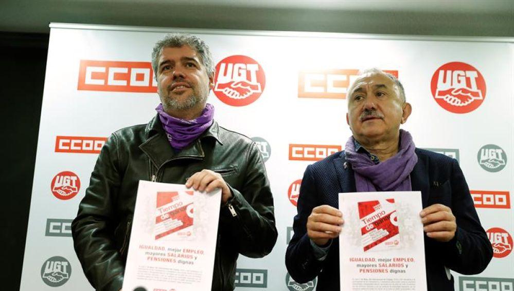 Los secretarios generales de CCOO, Unai Sordo (i), y UGT, Pepe Álvarez (d)