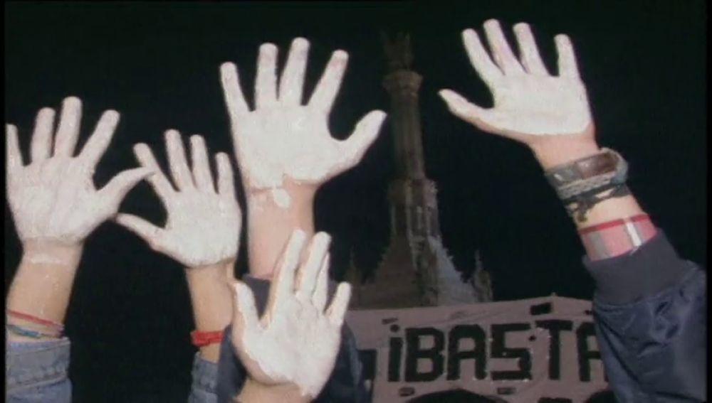 Se movilizan las manos blancas