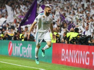 Benzema celebra su segundo gol contra el Bayern