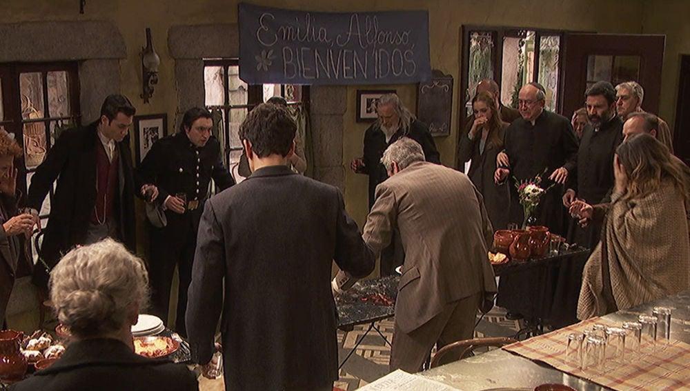 Los vecinos de 'Puente Viejo', conmocionados al ver a Emilia y Alfonso