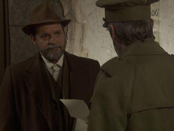 Raimundo traiciona a Nicolás a cambio de la liberación de Emilia y Alfonso