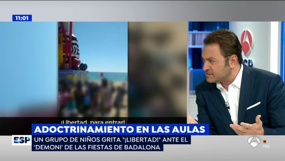 """Los niños gritan """"libertad"""" en las fiestas populares de Badalona a un 'demonio independentista' vestido de preso"""