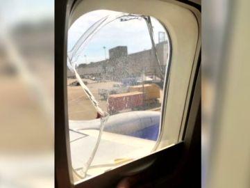 Otro vuelo de la compañía Southwest, obligado a hacer un aterrizaje de emergencia tras romperse una ventana