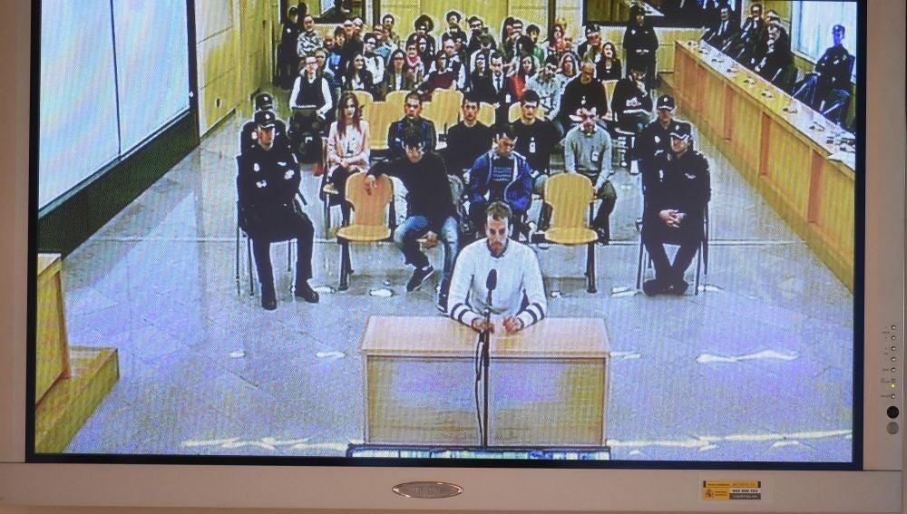 Monitor de la sala de prensa de la Audiencia Nacional de San Fernando de Henares que retransmite el juicio