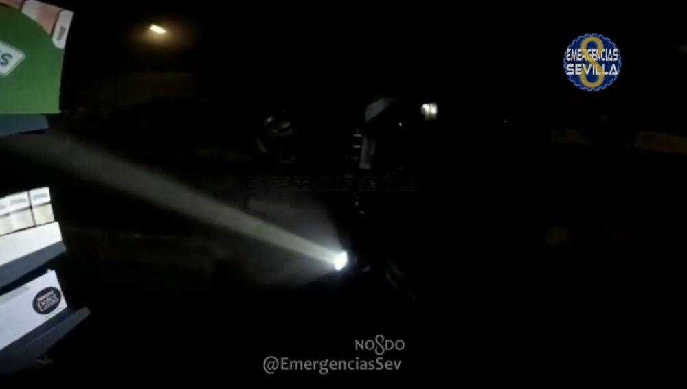 El vídeo de los Bomberos de Sevilla que muestra cómo se vive un incendio desde dentro